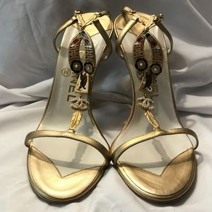 CHANEL Gold Heel Pearl CC w/Native American Accent